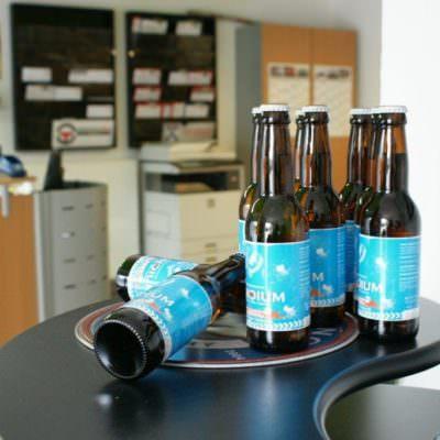 ... ein g'schmackiges LONCIUM Bier. Aber auch antialkolische Getränke stehen bereit.