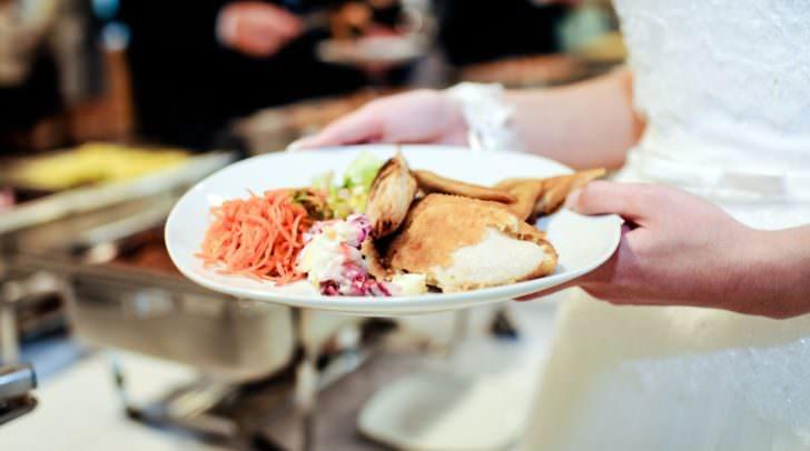 restaurant festliches essen buffett