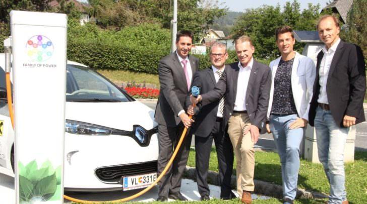 """Die FAMILY E-Carsharing-Initiative wurde im Juli 2016 von Bundesminister Andrä Rupprechter als """"klimaaktiv mobil Projektpartner"""" ausgezeichnet."""