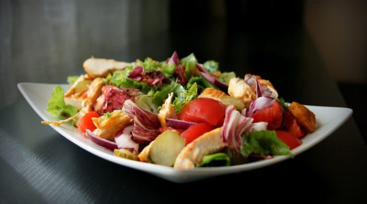essen salat gesunde erhährung salad-1264107_1280