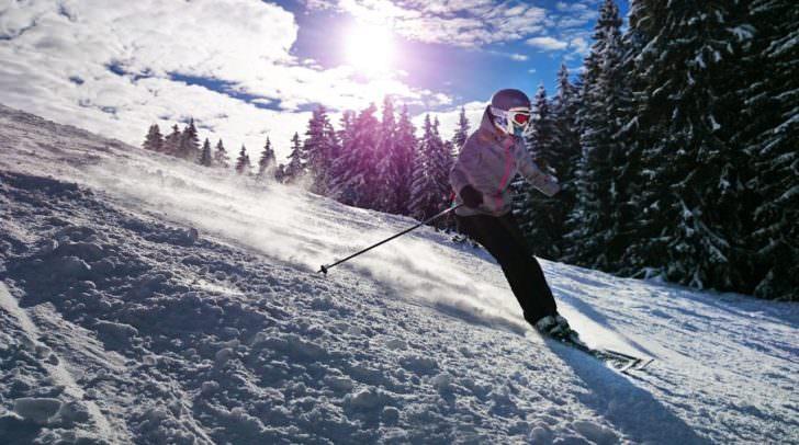 Mit der Skisaison starten auch die alljährlichen Ski-Diebstähle. Wie ihr euch davor schützt erfahrt ihr hier!