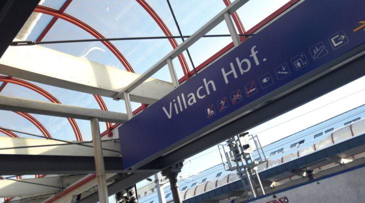 Für den Preis von 13 Euro gelangt man vom Villacher Hauptbahnhof bis nach Udine.