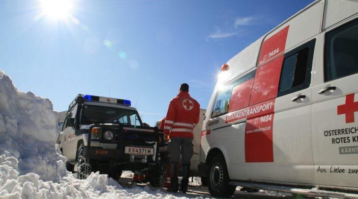 Die verletzte Wienerin musste von der Rettung in das LKH Villach gebracht.
