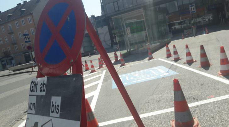 Der Behindertenparkplatz wurde weiter nach vorne verschoben.