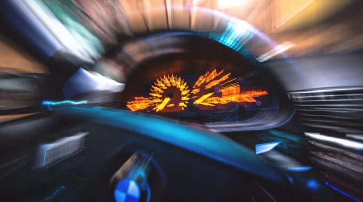 Satte 74 km/h zu schnell war der Lenker des BMW