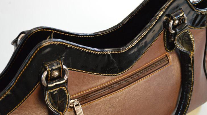 Die bisher unbekannten Diebe stahlen in beiden Fällen die Handtasche einer Pensionistin aus einem Einkaufswagen.