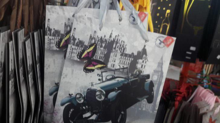 Das Hitler-Sackerl in einem Villacher Billig-Shop