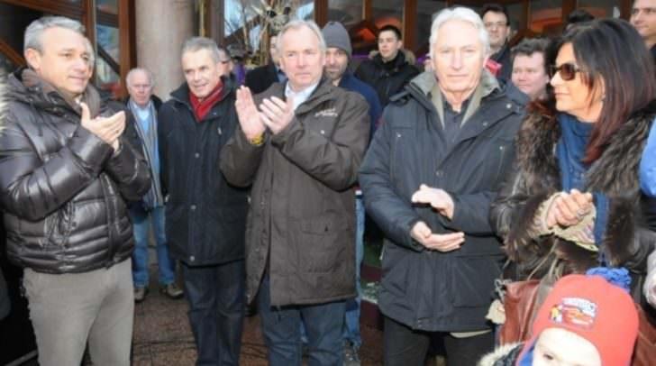 Hannes Anton (links im Bild) beim Spatenstich zum Projekt Shared Space in Velden