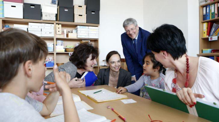 Im Bild: Dir. Margot Stern-Isak, BM Sonja Hammerschmid und LH Peter Kaiser