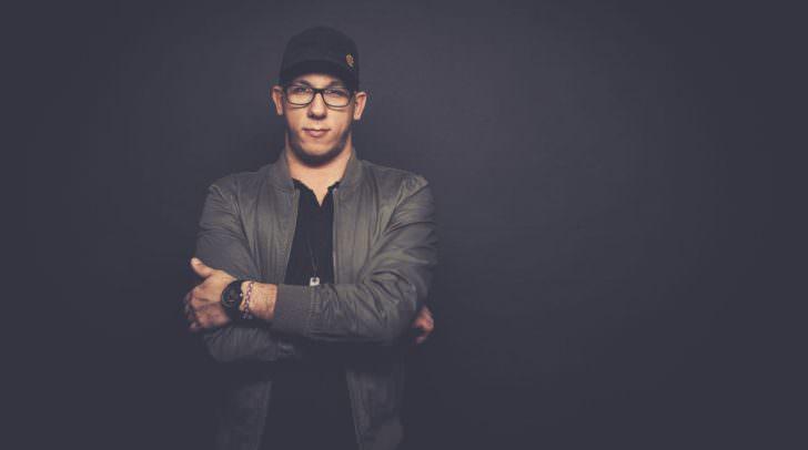 DJ Selecta wird am Freitag, 7. April 2017, im V-Club ordentlich für Stimmung sorgen.