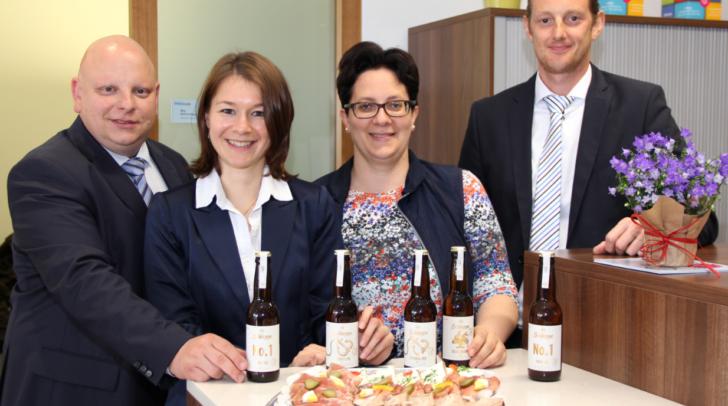 V.l.n.r.: Filialleiter Daniel Bacher, Mag. Bettina Steger, Tanja Plössnig und Alexander Neuwirth luden zu einem gemütlichen Nachmittag.