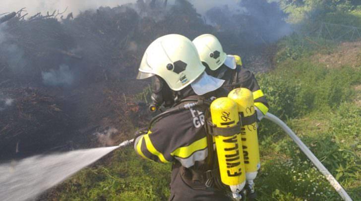 FF Lansach und FF Fresach standen im Einsatz und konnten den Waldbrand löschen.