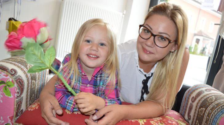 Voll auf Mode eingestellt: Nicoletta Krametter mit Töchterchen Angelina Valentina