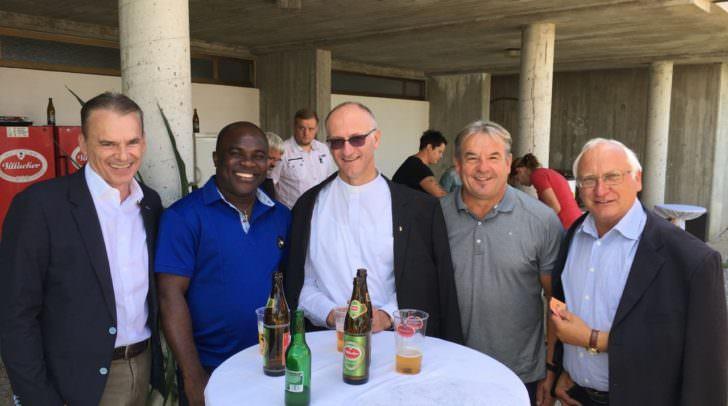 Bürgermeister Ferdinand Vouk, Louis Ifeanyichukwu Agim, Pfarrer Janko Krištof, Bürgermeister Manfred Maierhofer und GR Josef Korejmann