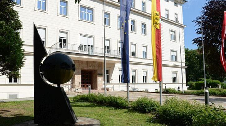 Landeshauptmann Peter Kaiser berichtet in der heutigen Regierungssitzung über die geplanten drei Alpe-Adria-Sekretariate.