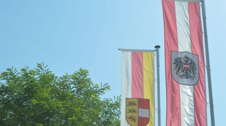 Die Fahnen vor den Amtsgebäuden der Kärntner Landesregierung werden heute auf Halbmast gesetzt.