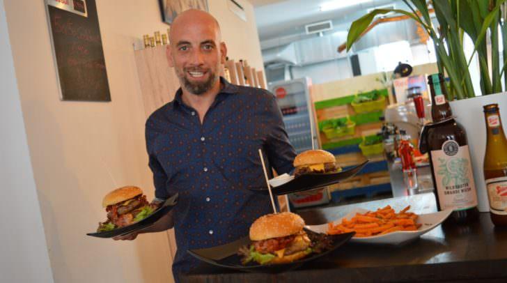 Fans der Burger können diese nun im Lokal und Zuhause genießen.