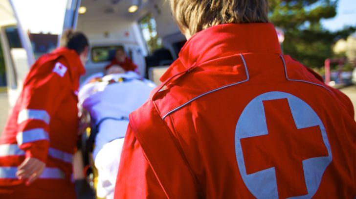 Die Rettung musste den Verletzten in das Klinikum Klagenfurt bringen.