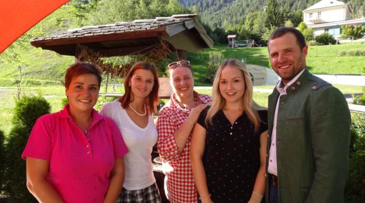 Melanie Altersberger, Kathrin Kranabether, TVB Obfrau Monika Hausmann, Praktikantin Laura Truppe, Bgm. Christian Hecher