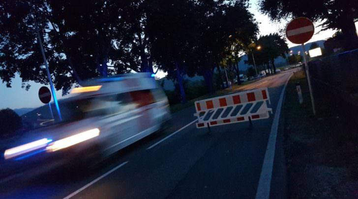 Insgesamt sechs Personen wurden bei den beiden Verkehrsunfällen verletzt und mussten in umliegende Krankenhäuser eingeliefert werden.