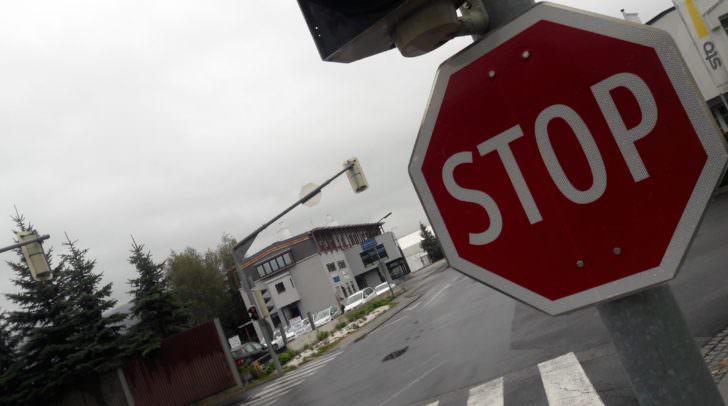 Die Missachtung einer Stopptafel führte heute auf der Ossiacherzeile zu einem folgenschweren Unfall