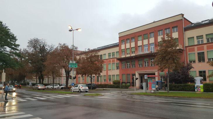 Das ehemalige KTZ Gebäude soll bald Geschichte sein