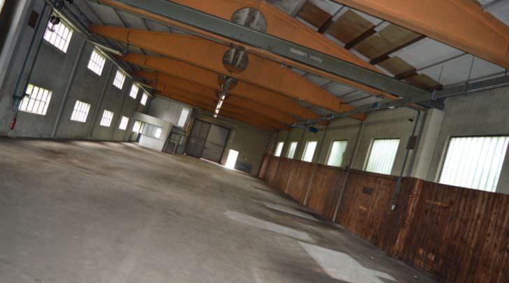 In dieser ehemaligen Industriehalle in Landskron soll im Oktober ein ORF-Frühschoppen über die Bühne gehen - aktuell wird die Halle gerade adaptiert!
