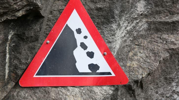 Bei dem Kontrollflug konnten keine Anzeichen für weitere bevorstehende Felseausbrüche gefunden werden.