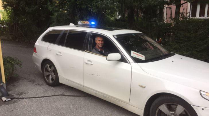 Führerscheinabnahme: Heute ist er mit Chaffeur im Dienst
