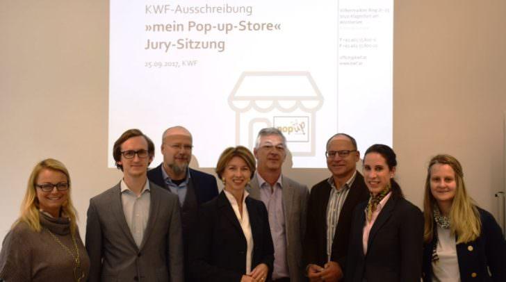 Die Jury von l.n.r.: Christiane Holzinger, Patrick Gregori, Alexander Schwarz-Musch, Gaby Schaunig, Erhard Juritsch, Hans-Paul Pucker, Martina Sebastian, Bettina Felfernig