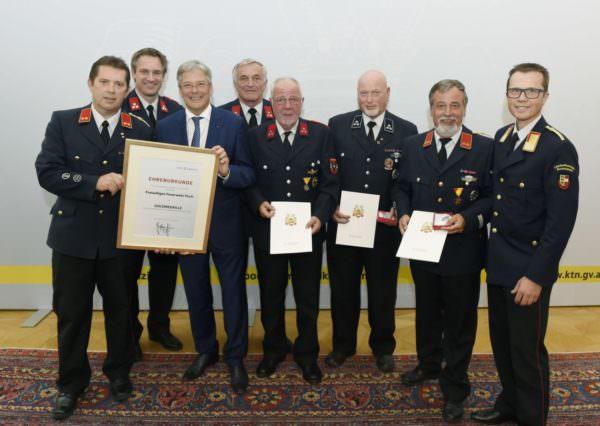 Rudolf Robin, Peter Kaiser mit Vertreter der Feuerwehr Puch