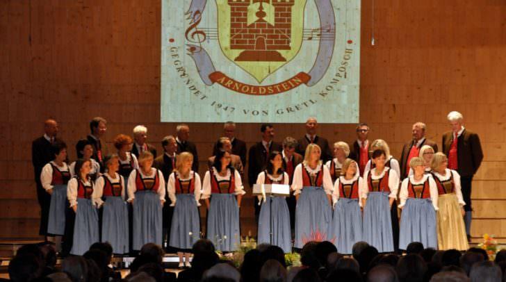 Insgesamt schenkten dem Chor seit seiner Gründung 400 Sängerinnen und Sänger die Stimme.