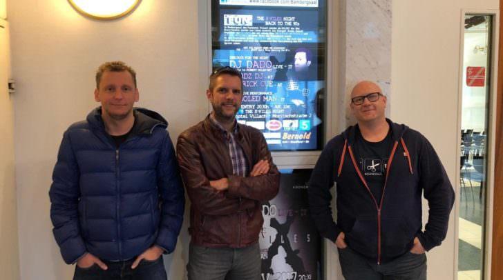 Wolfgang Lausegger, Gerald Piendl und Robert Stahl sind die Organisatoren der 90er Party des Jahres in Villach
