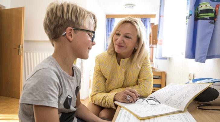 Die finanzielle Unterstützung des SOS-Bildungsprogramms sieht Ingrid Flick auch sehr im Sinne von Friedrich Flick – er hat die Stiftung ins Leben gerufen