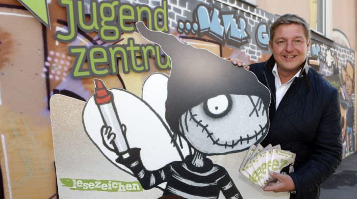 """Kultur- und Jugendreferent Bürgermeister Günther Albel lädt zum 11. Kinder- und Jugendliteratur-Festival """"Lesezeichen"""" ein."""