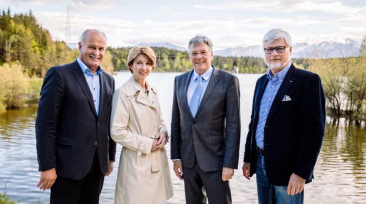 v. li.n.re.: Bürgermeister Johann Koban, LHStv.in Gaby Schaunig, LH Peter Kaiser, Kelag-Vorstand Manfred Freitag