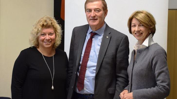 Beiratsvorsitzende Hochstetter-Lackner, AK-Präsident Günther Goach und LHStv.in Gaby Schaunig
