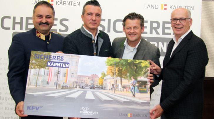 Anfang November wird ein 3D-Zebrastreifen zur Probe eingerichtet: Vizebürgermeister Christian Scheider mit Oberst Adolf Winkler (Polizei), Landesrat Mag. Gernot Darmann und DI Peter Felber (KfV).