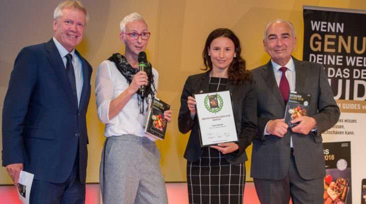 Frierss Feines Haus gewinnt Genuss Guide Award 2018. v.l. Willy Lehmann (Markenagentur), Andrea Knura (Genuss Guide), Dr. Bettina Rabitsch (Frierss), Germanos Athanasiadis (medianet)