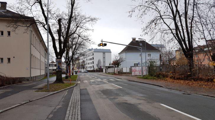 Auf dieser Straße kam es gestern Abend zum Unfall.