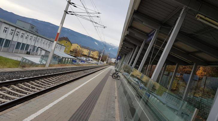 Am Bahnhof in Villach musste der alkoholisierte Steirer den Zug verlassen.
