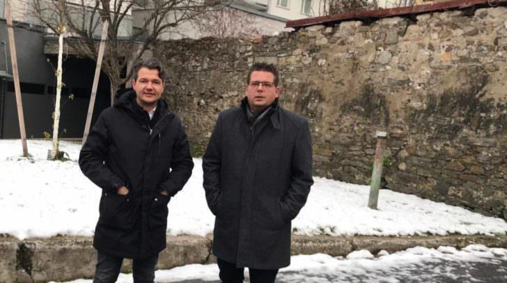 Weidinger übergibt Parteiobmann an Pober. (c) Archiv: Das Bild wurde vor Beginn der Corona-Pandemie aufgenommen.