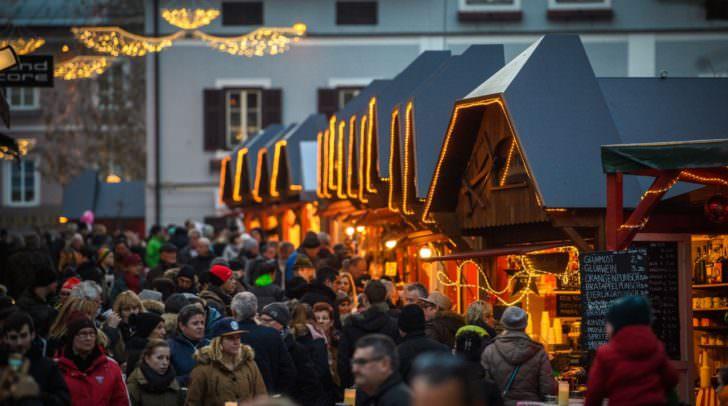 Auch in diesem Jahr waren die Hütten des Villacher Advents gut besucht.
