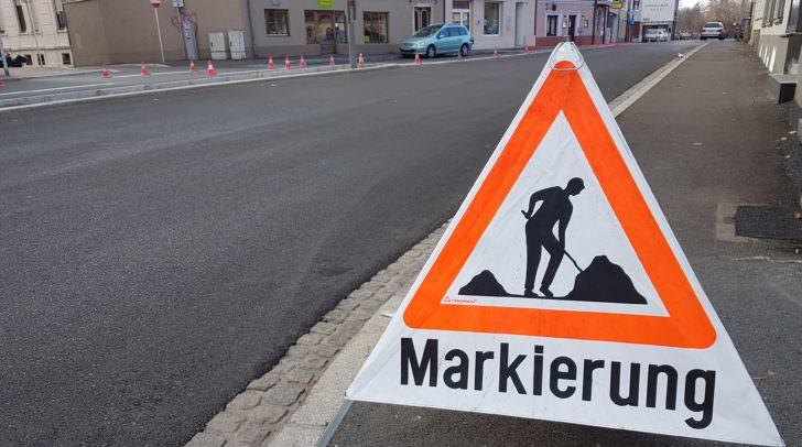 Die Markierungen auf der Villacher Straße sind momentan der aktuellste Teil der noch anhaltenden Bauarbeiten.