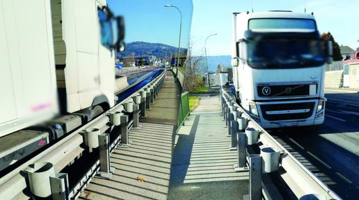 Immer wieder bleiben LKW Fahrer stecken.