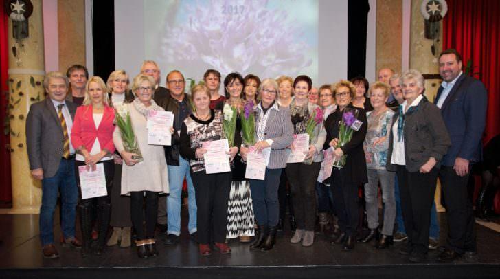 Vizebürgermeisterin Dr.in Petra Oberrauner gratulierte den Villacherinnen und Villachern, die im Rahmen des Blumenschmuckwettbewerbes die Nase vorn hatte.