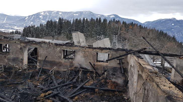 Das Wirtschaftsgebäude war nicht mehr zu retten und musste