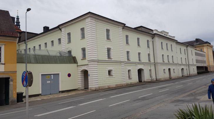 Der Häftling ist, nach notärztlicher Erstversorgung, am 22. September im Klinikum Klagenfurt verstorben.