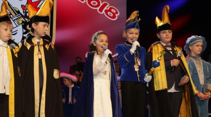 Gaudelius LII. (Constantin Haberl) und Prinzessin Valentina I. (Valentina Prosen) übernahmen mit großer Freude die Aufgabe, ihre lustigen und närrischen Untertanen durch den Fasching zu geleiten.