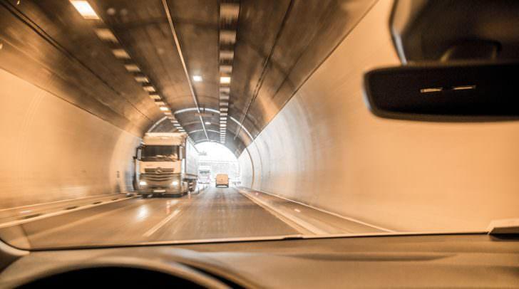 Die Tunnel der Klagenfurter Nordumfahrung sind während der Wartungs- und Reinigungsarbeiten für den Verkehr gesperrt.
